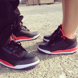 Our shoe game for tonight #unds #crimson3s buy what you like folks and most importantly… ROCK EM #kicks0l0gy #kickstagram #solemates #jordan3 #igsneakercommunity