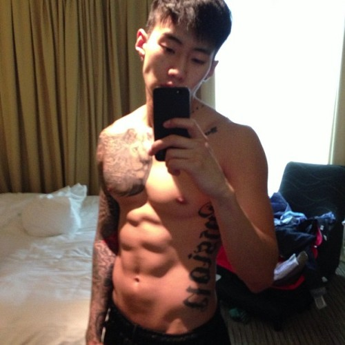 mylovejaypark:   jparkitrighthere: good lighting ~! 조명빨~ 여름준비    He has the perfect body omg.