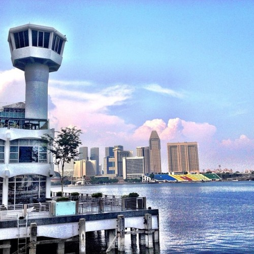 Good #Sunday #Afternoon! View of the #MarinaBay #Waterfront as seen from Customs House ;-) #Singapore