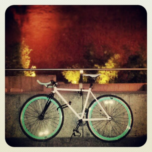 Tonight feels like a good night for a #nightRide. #mintyFresh (at Yerba Buena Gardens)