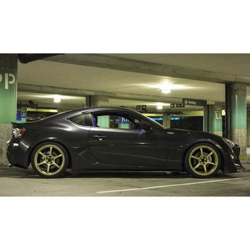 Bored. #canon #60d #scion #scionfrs #frs #toyota #gt86 #zn6 #advan #rg2 #cusco #hks #hipermax #seibon #versionselect #rawdriving #86life #frs86 #ft86club #teamsleep808 #hawaii