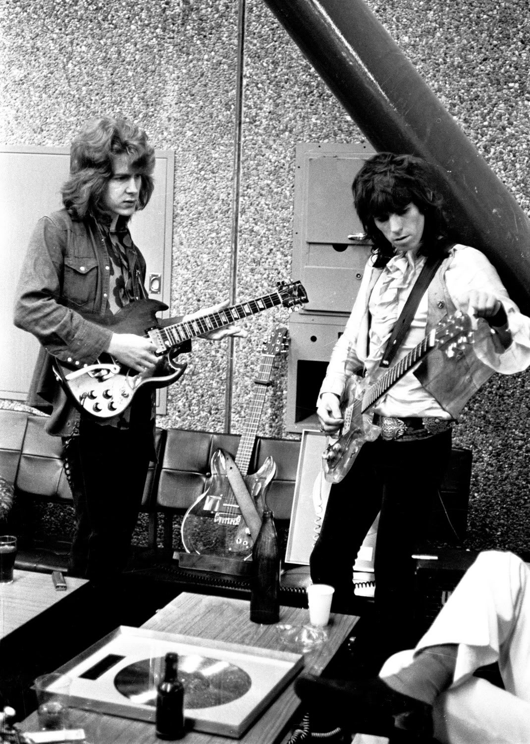 MICK TAYLOR et KEITH RICHARDS (Via youngmansorrow)