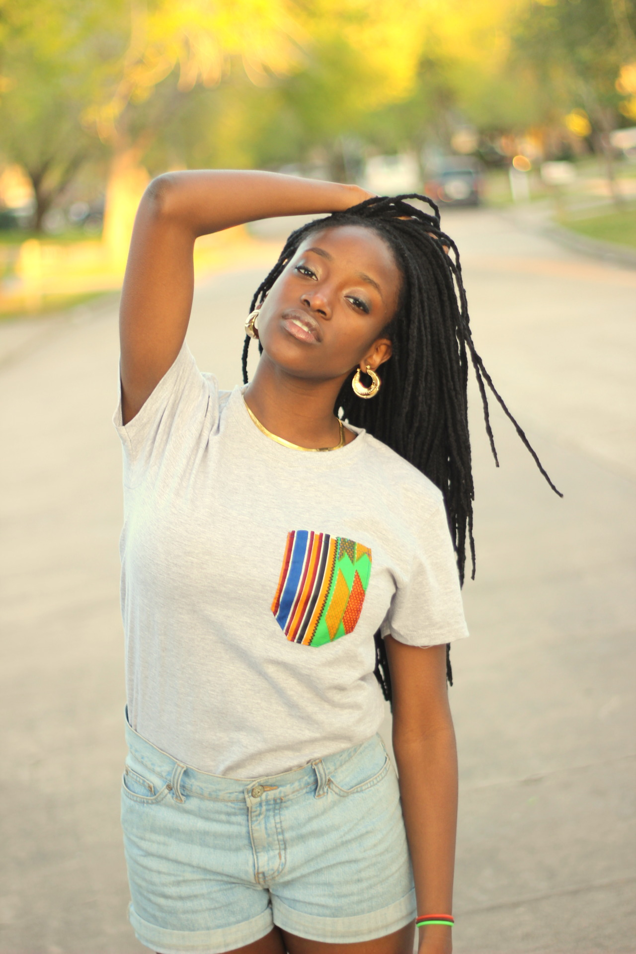 blackfashion:  Briana Ekhator, 18, Houston, TX SHIRT: Voguish TrendZ Pocket T-Shirt SITE: http://www.voguishtrendz.bigcartel.com BLOG: http://www.voguishtrendz.tumblr.com  Submitted by: Isis Collins, Owner, Founder, & Head Designer of VT Photographer: Tank Akinbayo