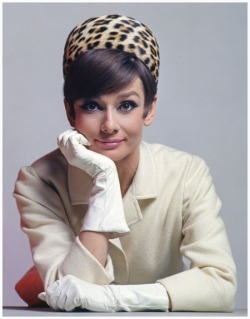 theswinginsixties:  Audrey Hepburn photographed by David Wills and Stephen Schmidt, 1965.