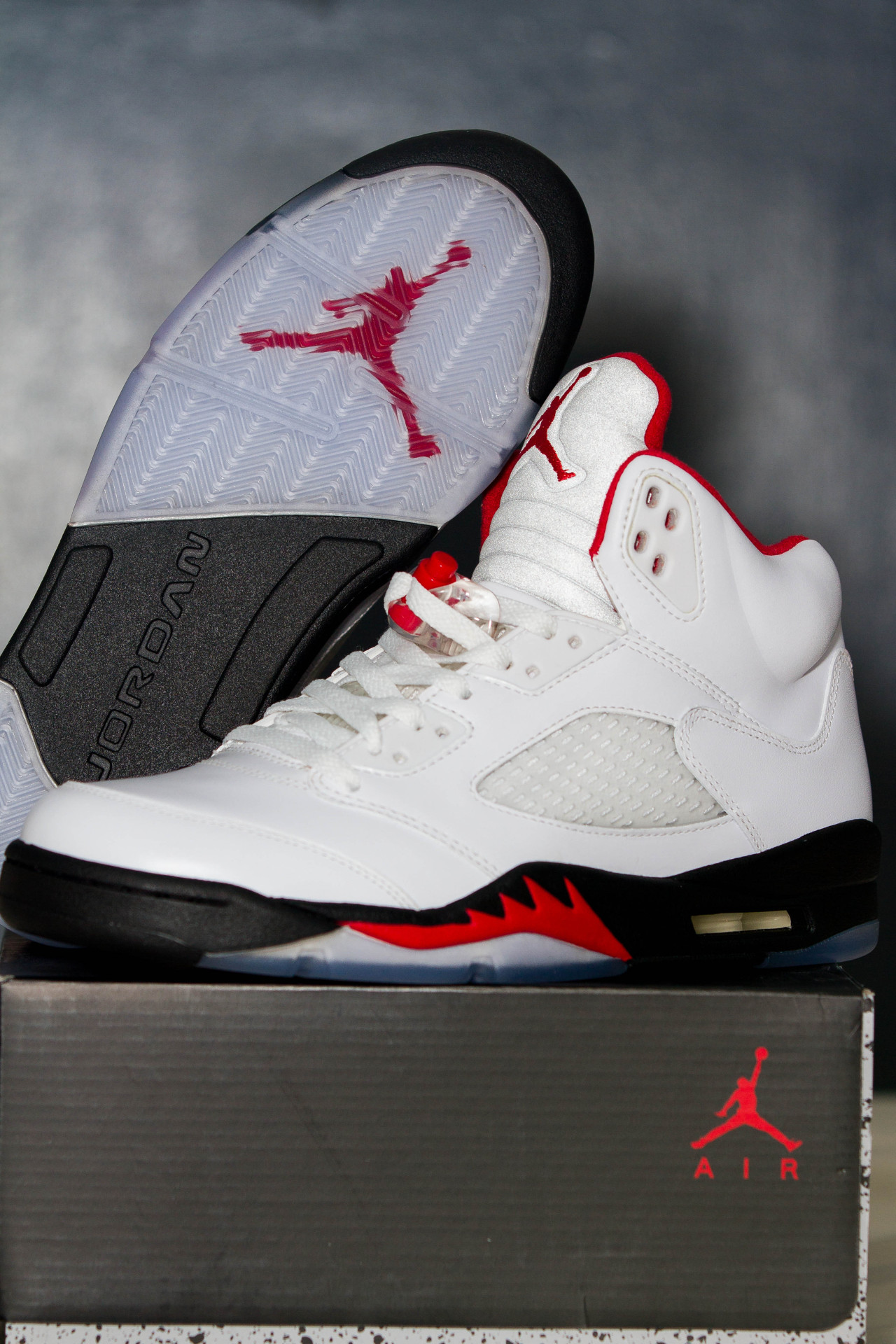 Air Jordan Retro V | Fire Red | January 2013