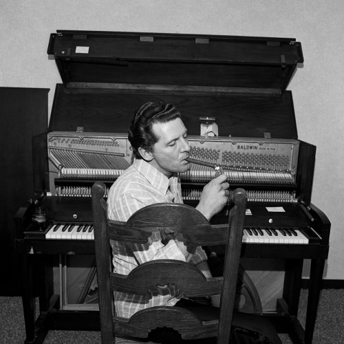 sunsetgun:  Jerry Lee Lewis.