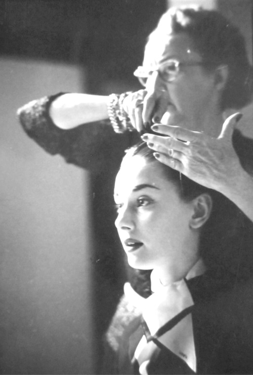 audreyinrome:  Behind the scenes of Roman Holiday, 1952. Copyright: The Look Collection  Thank you for the reblogs. We'll be here with more.