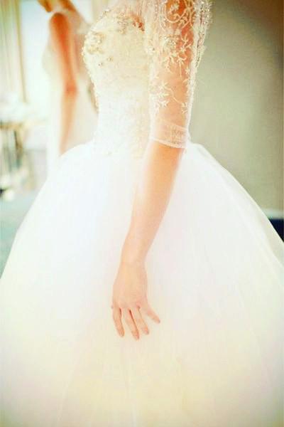 ball gown chiffon natural waist embroidery flowers white wedding dress