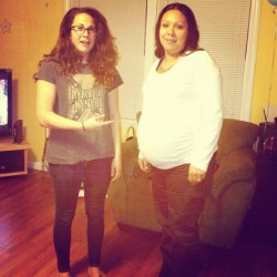 Your eggo is prego @jennaustinmoreno #roomies #lol #pregnant #juno # (at the cave)