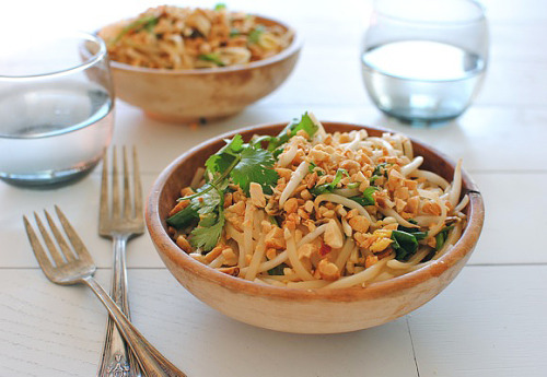foodopia:  easy pad thai: recipe here