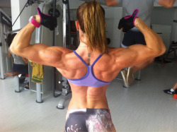 buffyshot:  #FemaleMuscle