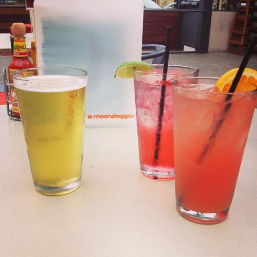 In PB with @wheresedweirdo & Jordin! 🍹#summer #pacificbeach #sandiego #pb #sd #ca #cali #socal (at Moondoggies)