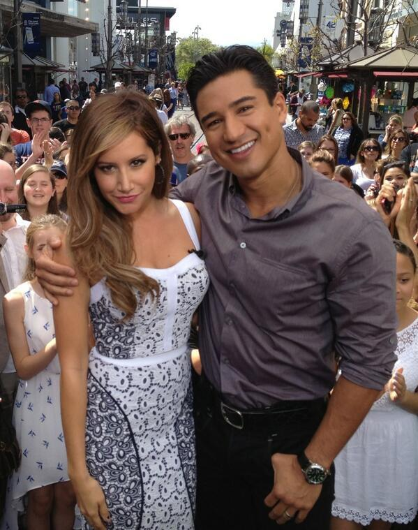 Ashley Tisdale - Always nice to catch up with @AshleyTisdale on @extratv & @onwithmario ! Big hugs t