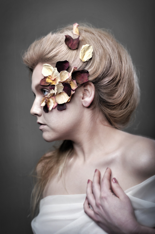 Exhibitions in hair & makeup. Photos: Jason Dunn MUA: Jill Clark Hair: Ariel Finley Models: Carrie Warren, James Gugliemino
