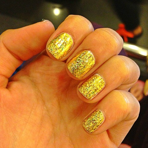 My superrrr awesome birthday nails!!!💛💛💛 gold holo's by @beautynbutter, sealed in gel polish. Thank you @kdashwey! 💋 #bestever #nails #goldnails #nailpolish #nailart #beauty