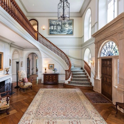 priceypads:  Beautiful formal entry. #entry #chandelier #architecture #design #style #luxury #mansion