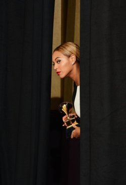 """How many GRAMMYs is that now?"" Beyoncé asked coyly as she held onto her 17th award…"