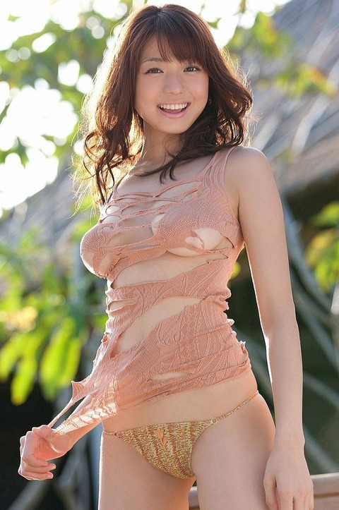 bustysexyasiangirls:  Follow > Reblog > ReTweet ::  Hot Japanese babe with sexy bikini Shizuka Nakamura 中村静香 For more Hardcore Asian action:   http://bustysexyasiangirls.tumblr.com/Good