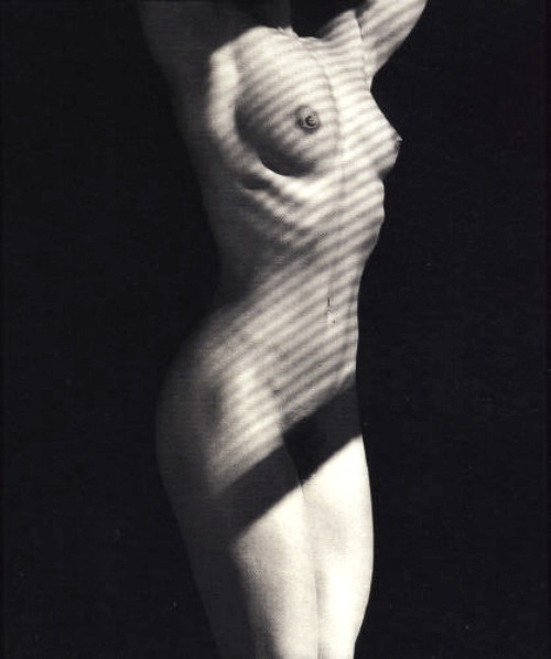 lamelancoly:  Robert Mapplethorpe - Lydia Cheng 1987  via