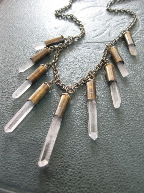 lisaataylor:  Wonderful crystal necklace in quartz….