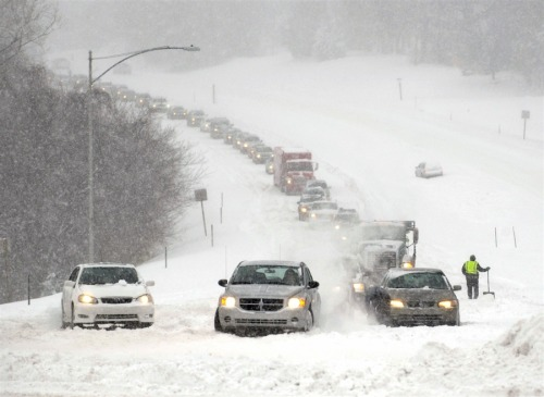 Winter storm slams central US NBC News: A winter storm has pummeled the central U.S. More than 11 inches of snow have fallen on the ground in Wichita, Kansas, the most in 26 years - and it's still snowing. The Weather Channel says snow totals will be formidable. Meanwhile, Kansas and Missouri have declared states of emergency. Follow storm updates on BreakingNews.com. Photo: Stalled vehicles are seen during a blizzard as traffic backs up on a major thoroughfare in Overland Park, Kansas, on Feb. 21. (Dave Kaup / Reuters)