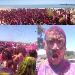 #HOLI sh*t, that's a lot of people. 😉 (at Goleta Beach County Park)