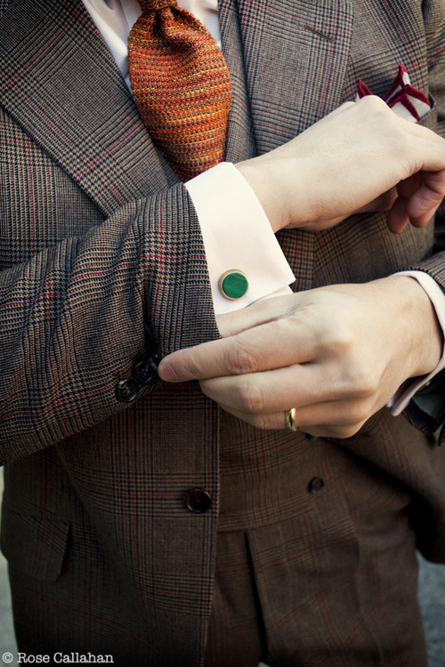 Cufflinks, Tie Bars, and Mini Bow Ties For the Well-Dressed Dandy