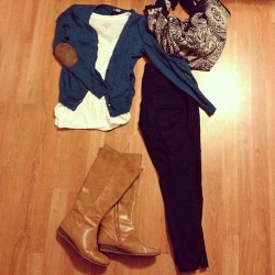 {December 5, 2012} Day 05: Favorite outfit Maybe not all-time favorite, but it's up there for what I wear to work anyway…wearing this on Thursday (Dec 6.) to work for a long day and important meeting. There will likely be a photo of this look in action to come later.