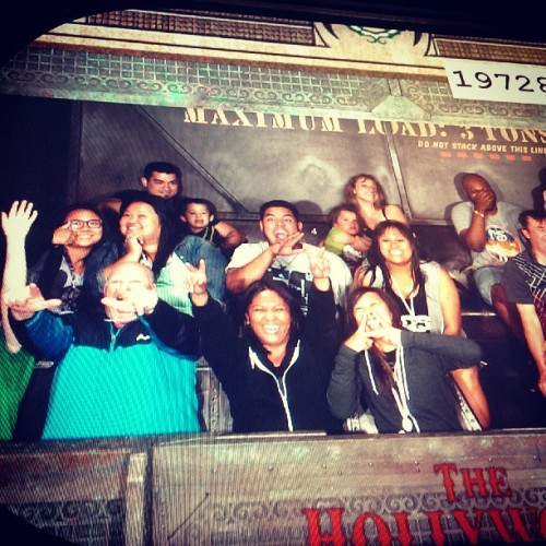 This just happened… #TowerOfTerror #HappyBirthdayJaye! @eli_paraydise @mamajaye25 @keli21 @amc11 @dj_ello