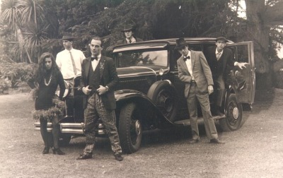 (via Al Capone (front) and the gang - Imgur)