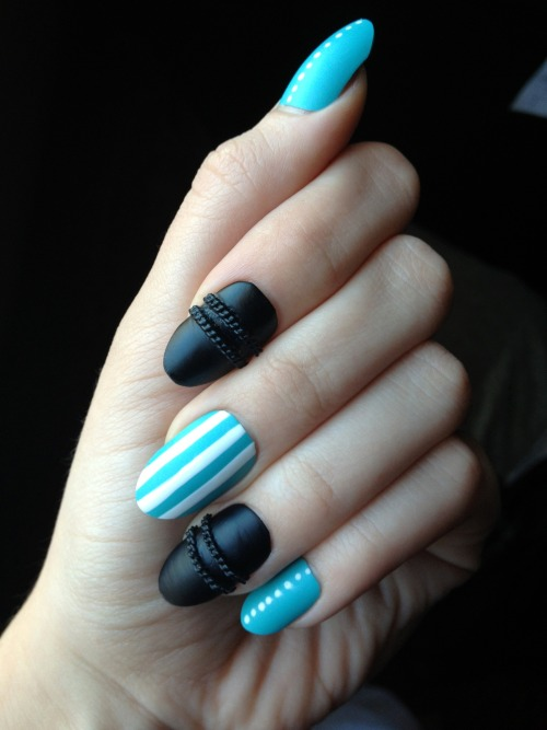 perpendicular-universe:  Manicure party!…by myself