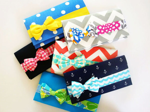 Girls who love a boy in bow tie will love a winnsome bow tie clutch!