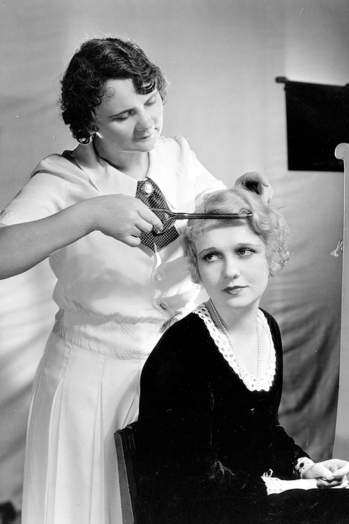 Anita Page, with her hairstylist, photographed by Clarence Sinclair Bull, 1927.