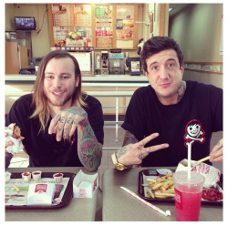 heavy-core:  ptv-tony:  w0lf-andthe-buffalo:  Austin Carlile @ Wendy's  what if one day you were getting some fries at wendys and auSTIN CARLILE WAS EATING THERE WITH HIS FRIENDS UM  HOW MUCH FUCKING KETCHUP AUS10 JESUS CHRIST