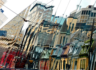 THE GENIUS OF FRANK GEHRY (by marc falardeau)