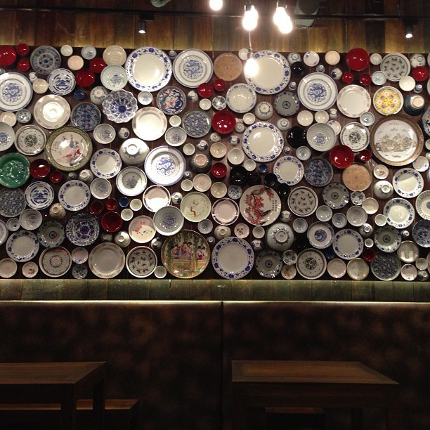 sandysphere:  Family dinner #the coast #sukhumvit #restaurant #dishes #wall #bkk  (at The Coast Village)