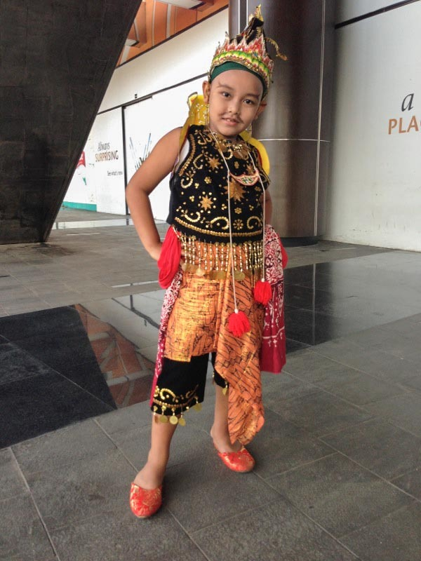 wearejakarta:  Costumed children at Kartini day in Pluit Village, north Jakarta. Kartini day celebrates Kartini, a Javanese noblewoman. A national heroine, she inspired women across Indonesia.