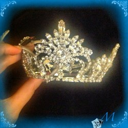 Later-arriving post. #crown #princess #princessday #may5 #rhinestone #swarovskicrystals #swarovski #internationalprincessday (at Lake Avalon)