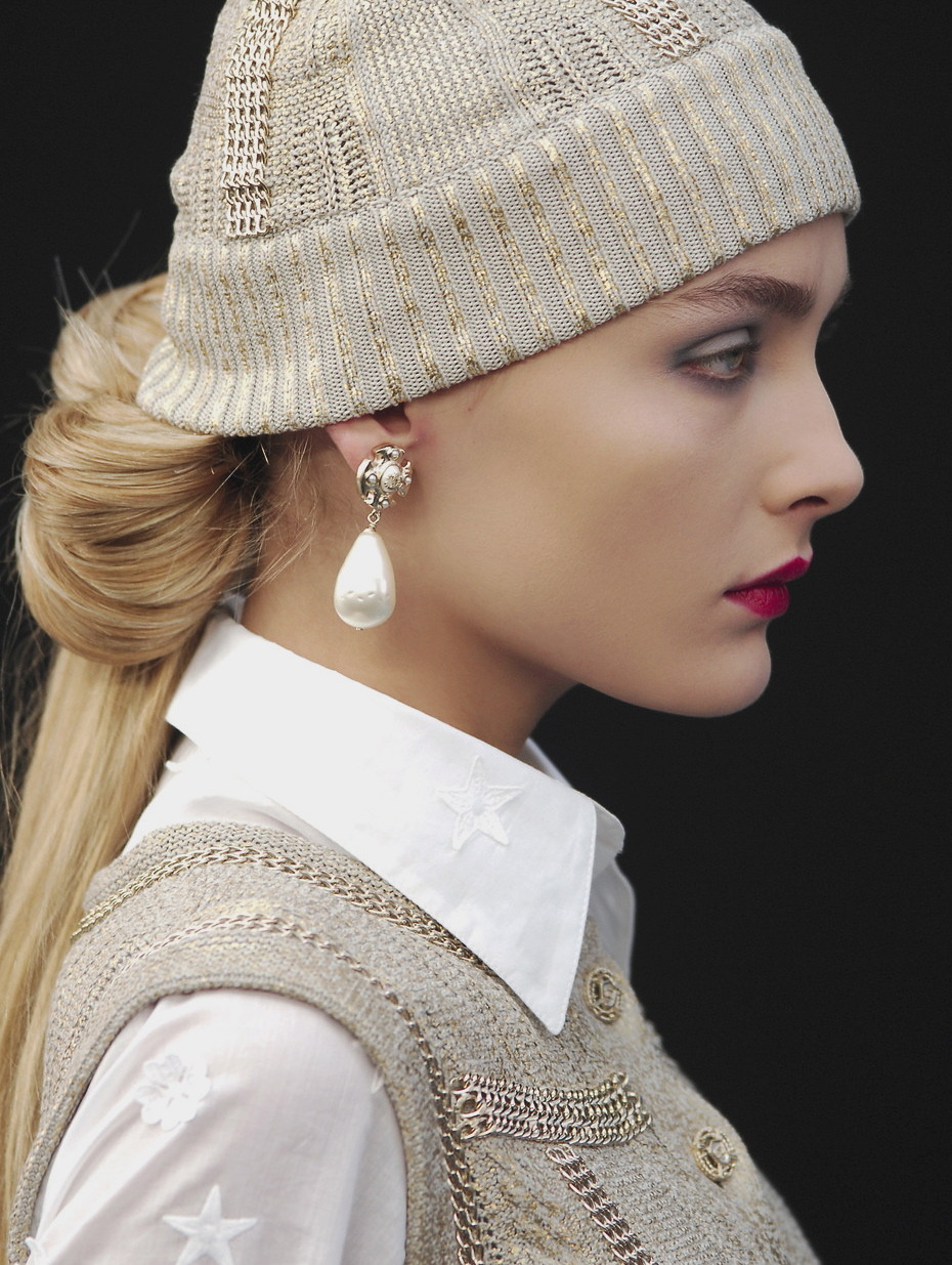 haute-chanel:  xesnu:  snejana onopka at chanel s/s 2008