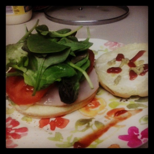Midnight Mozzarella Turkey Spinach Burger  =D