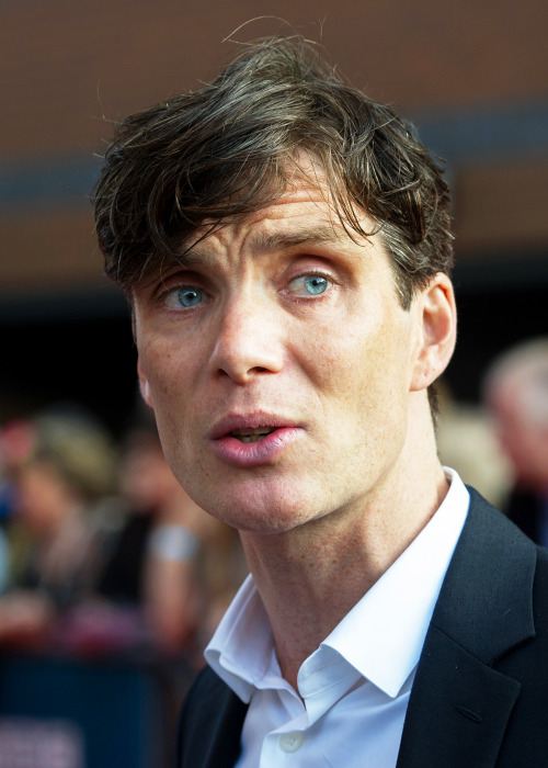 ohfuckyeahcillianmurphy:  In which Cillian Murphy demonstrates how to make worried look pretty wonderful | Peaky Blinders 2 Premiere | Birmingham | Sept 212014