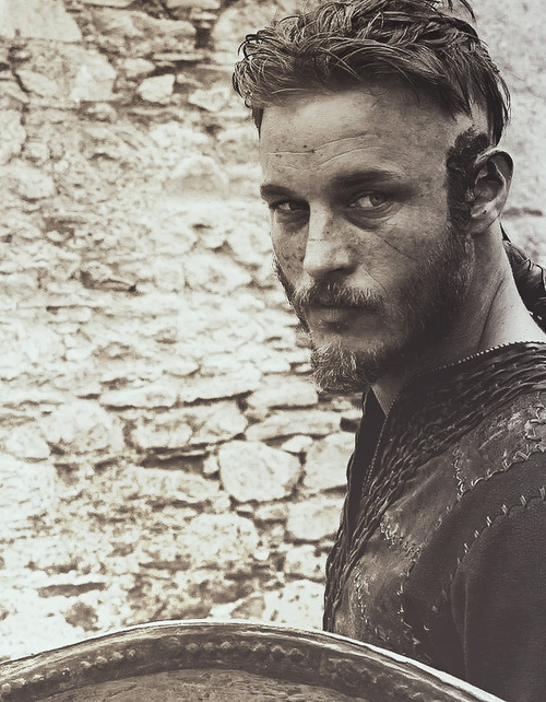 Travis Fimmel in the series Vikings. Girls who like beards;http://girlslovebeards.tumblr.com