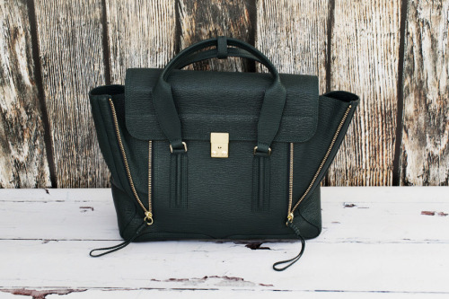 what-do-i-wear:  3.1 Phillip Lim Pashli satchel via Monnier Freres (image: parkandcube)