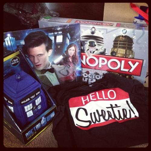 shutupkristen:  'TWAS A #DOCTORWHO CHRISTMAS! :D  want that shirt.