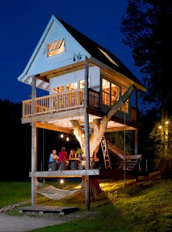 life1nmotion:  Two Story Treehouse, Wisconsin