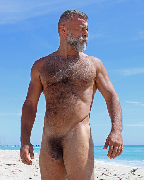 If you love rugged, rough, butch, burly, macho hairy daddies, bears, polar bears, and blue collar daddies then follow Mature and Rugged Men NOW!  http://matureandruggedmen.tumblr.com/  Be sure to check out my XXX video blog:  http://matureandruggedvideos.tumblr.com/