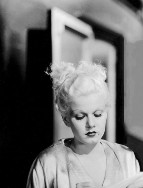 wehadfacesthen:  Jean Harlow, 1933, on the set of Bombshell  via tinseltownmyway