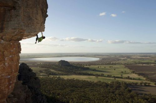 whimsicalwoo:  Cedar Wright in Australia.   Photo by Tim Kemple