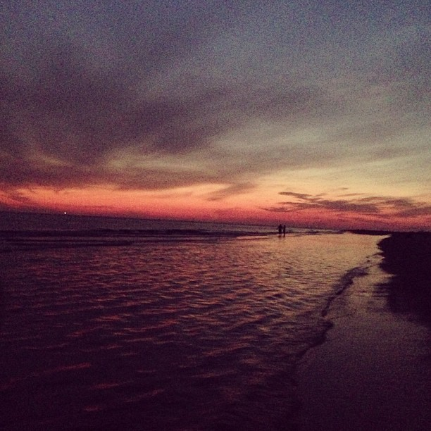 My nightt. #beach #florida #sunset #water #happy #funnight #happygirl #treasureisland #nightwalks #walking #shore #florida girl (at Treasure Island Beach)