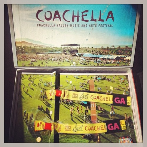 So ready for the best damn vacation ever :) @inonica #coachella2013 #gayboyswag #gayboyadventures #indio #desertmadness #pologrounds #musicfestival #weekend2 #ohhappydays